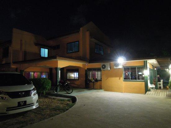 La Casa Kuantan: Landed House converted to Restaurant