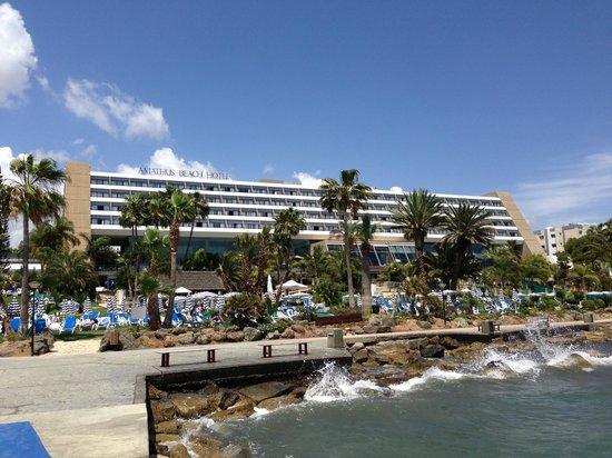 Amathus Beach Hotel Limassol: Hotel from the sea