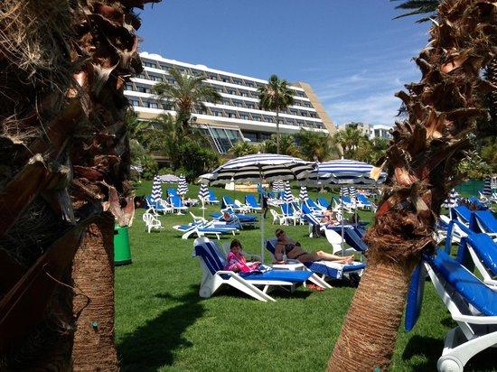Amathus Beach Hotel Limassol: Beach