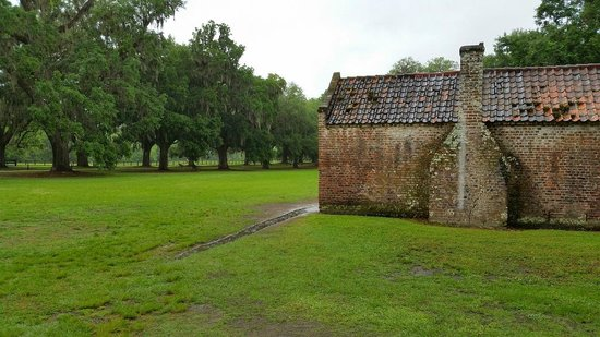 Boone Hall Plantation : Slave Street