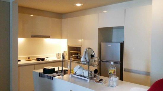 PARKROYAL Serviced Suites Kuala Lumpur : Kitchen