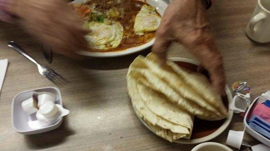El Herradero : Delicious Tortillas
