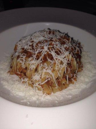 Cenacolo: Fettuccine Bolognese - unreal