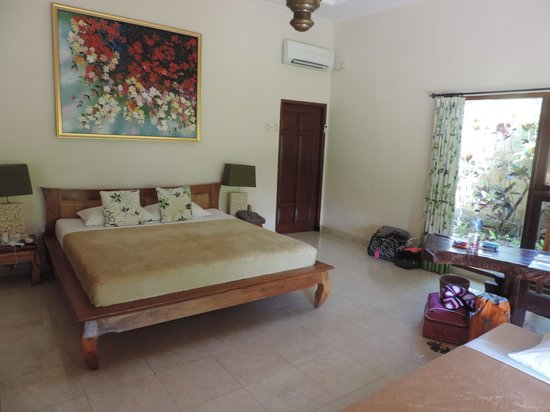 Green Field Hotel and Bungalows: Room