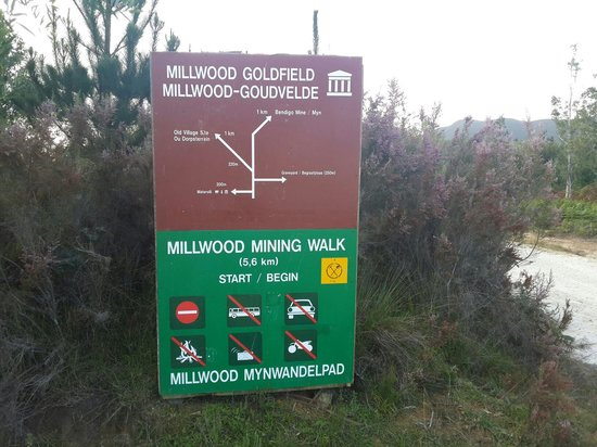 Knysna, South Africa: Access to the mines is via foot only, so be prepared to park (and eat) at Mother Holly tea garde