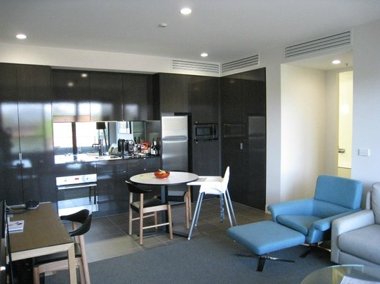 East Hotel: Kitchen - Lux apartment