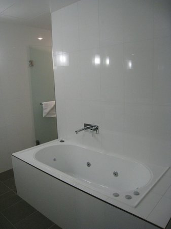 East Hotel: Bathroom - Lux apartment