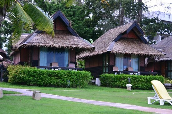 The Sunset Village Beach Resort: The outside view of the rooms
