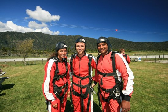 Skydive Franz: Some Happy Customers!