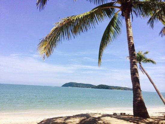 Sunset Beach Resort: View on the beach