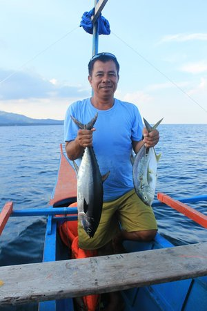 Tapik Beach Park Guest House : The fish we caught, with our guide Randy.