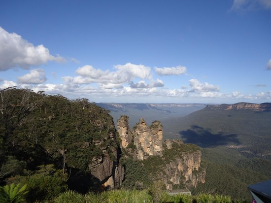 Echo Point Lookout: From Echo Point to Three Sisters and beyond