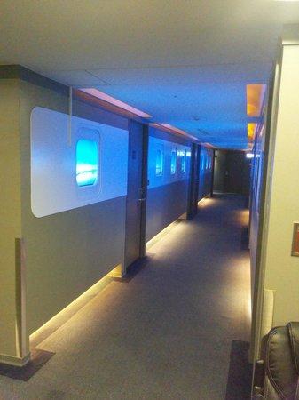 Airline Inn Taipei Zhong Hua: corridor