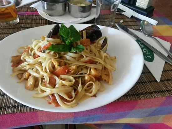 Luigi's: Pasta com frutos do mar