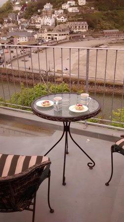 The Watermark: Debbies cream tea on the balcony!