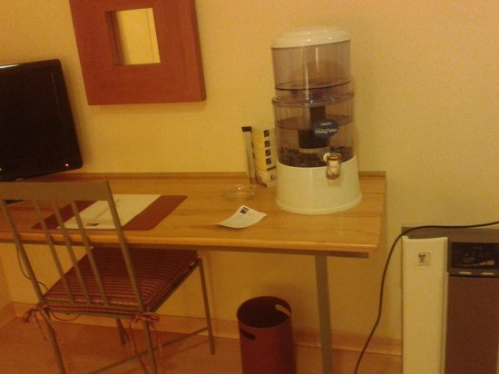 Hotel T3 Tirol: Dispensador de agua