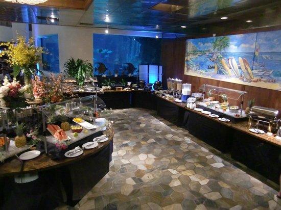 Alohilani Resort Waikiki Beach: 1Fバイキングレストラン