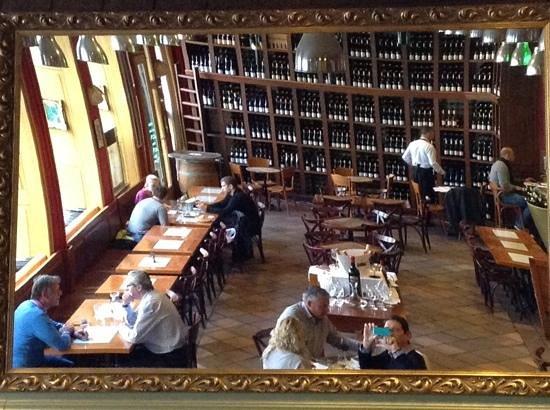 Monarch Gastrobar: Monarch wine bar in Prague