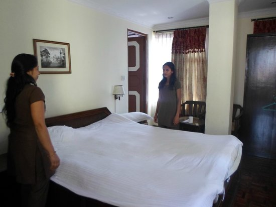 Hotel Encounter Nepal: house keeping girl