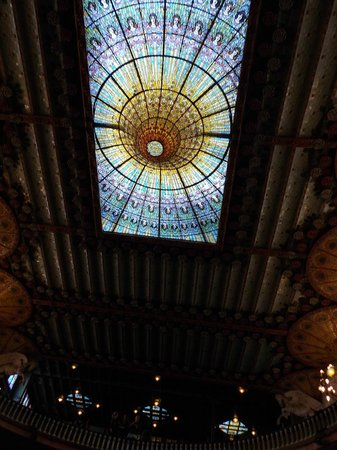 Palau de la Musica Orfeo Catala: 内部天井