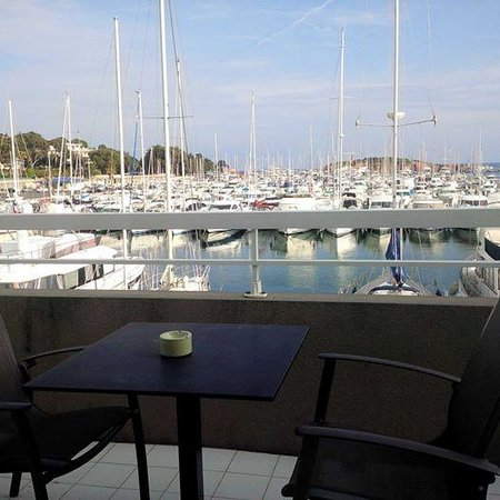 Best Western Plus Hotel La Marina : vue depuis ma chambre, balcon sur le port