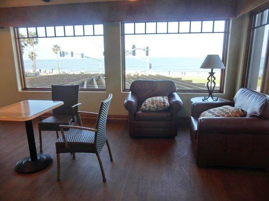 Best Western Plus Beach View Lodge: breakfast area