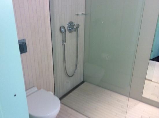 AC Hotel by Marriott Bella Sky Copenhagen: banheiro