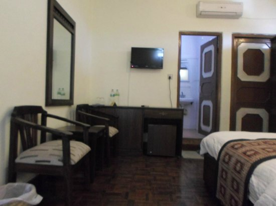 Hotel Encounter Nepal : super twin room with bath room and balcony view