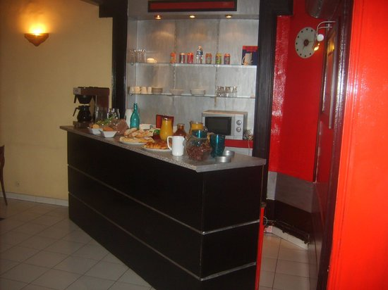 Hotel Montgrand: Breakfast Room