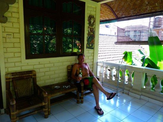Pelasa Hotel : terrasse de chambre au 1er étage