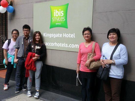 ibis Styles Kingsgate Hotel : the hotel's signage