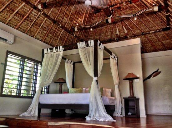 Paradise Cove Resort: Big Bed