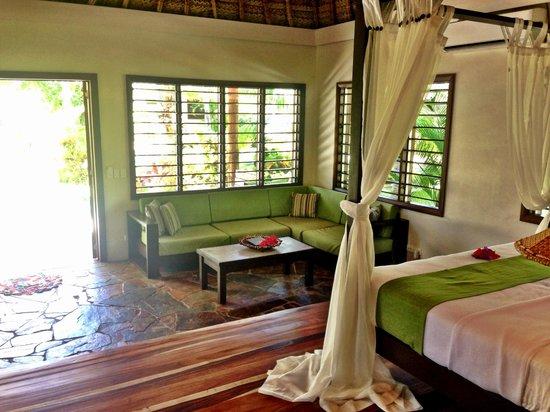 Paradise Cove Resort: Garden Villa Bedroom