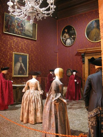Palazzo Mocenigo: once upon a time beautiful costumes