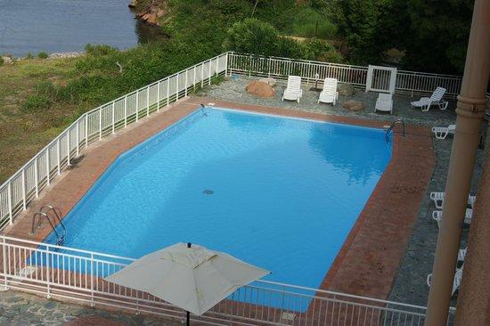 Le Marina : La piscine