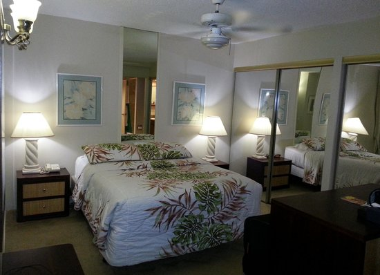 Waikiki Beach Condominiums: Bedroom with personal lanai access