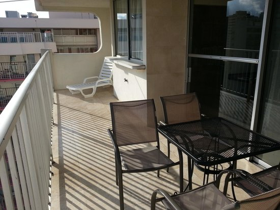 Waikiki Beach Condominiums: Very spacious lanai w/ table and chairs