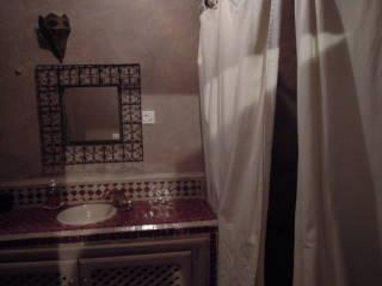 Dar Marhaba: badkamer met lekkere douche