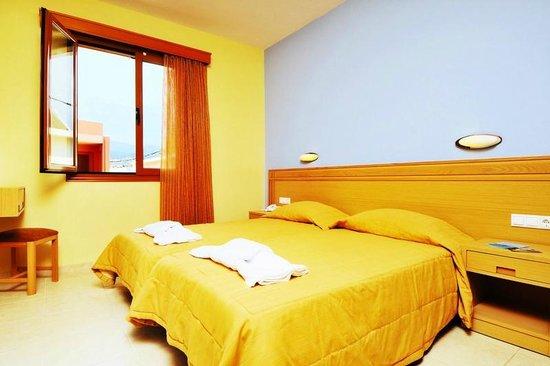 Aristea Hotel Rethymnon: apartment's bedroom
