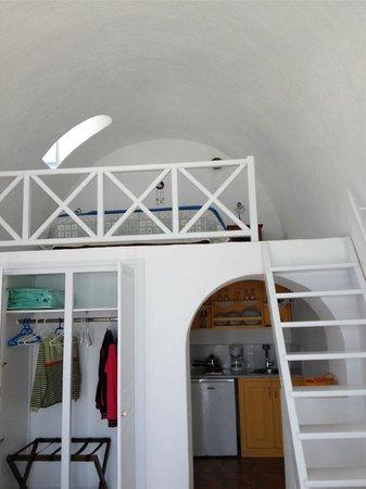 Heliades Apartments : Heliades Apt inside