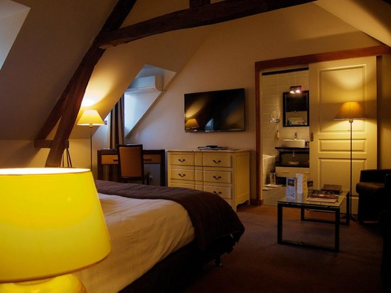 Domaine de Barive: The room (bed)