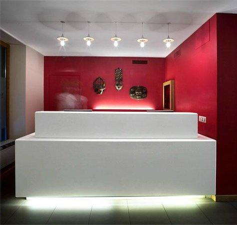 La Cour des Augustins - Boutique Gallery Design Hotel : Reception