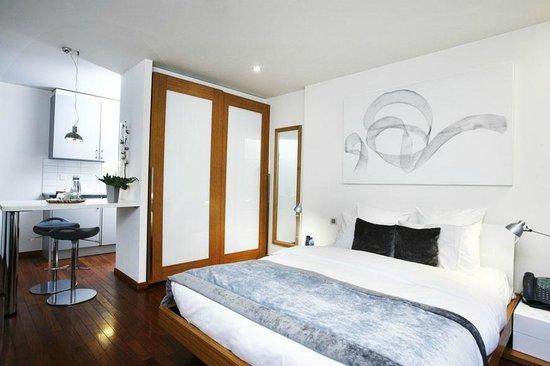 La Cour des Augustins - Boutique Gallery Design Hotel : Deluxe Double room
