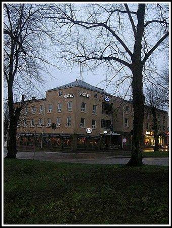 Finlandia Hotel Degerby: Вечерний отель