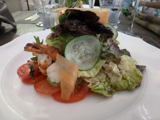 Le Potager du Mas: The Spring salad was a medley of fresh flavors