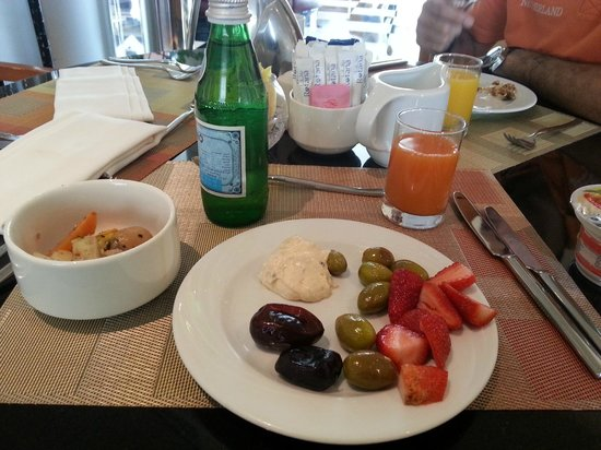 J5 Hotels - Port Saeed: A Healthy Breakfast