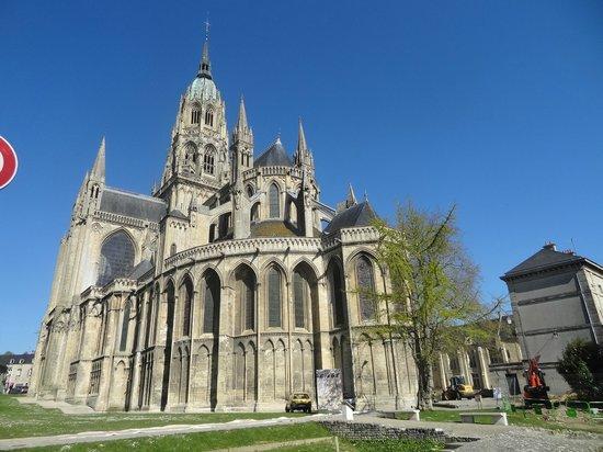 Cathédrale Notre-Dame de Bayeux : Rear of cathedral