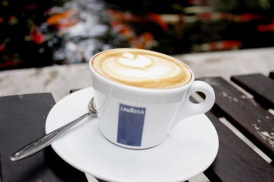 Feung Nakorn Balcony Rooms & Cafe: Cappuccino to bright up your day ^^
