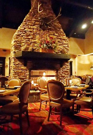 Tenaya Lodge at Yosemite : One of 3 dining areas