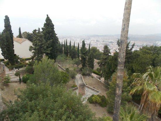 Castillo de Gibralfaro : Giardini interni del castello